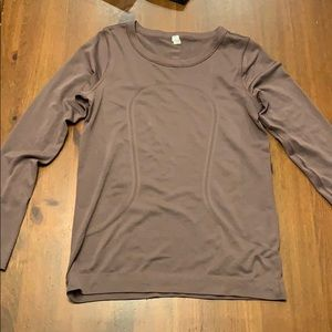 Lululemon swiftly tech long sleeve (relaxed fit)